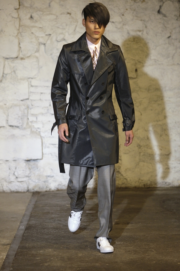 PHOTO © PETER STIGTER  MENSWEAR SPRING/SUMMER 2009  FILENAME IS DESIGNER NAME